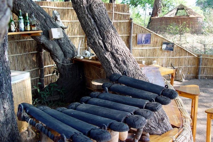 Mwamba Bar