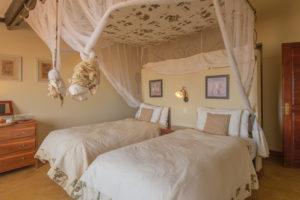 Stanley Safari lodge room