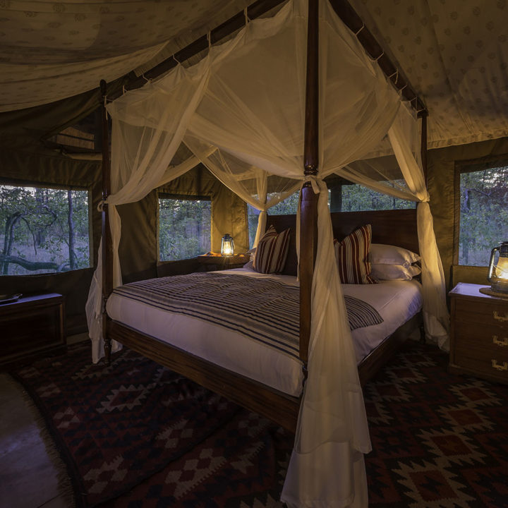 honeymoon-in-style-safari-packages-zambia-in-style-zungulila-south-luangwa-bed-camp