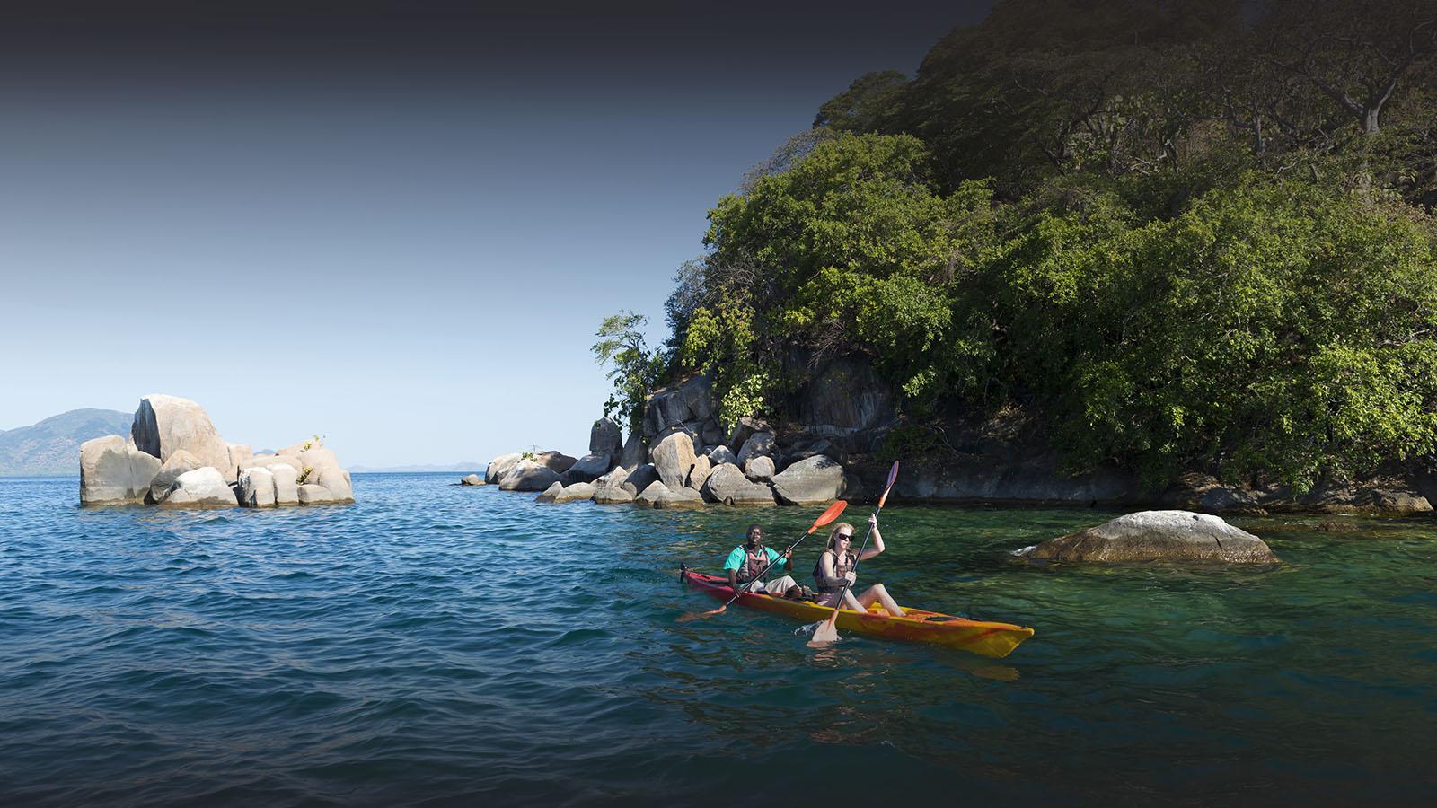 malawi-south-luangwa-green-season-zambia-in-style-safari-packages-tours-luxury-mumbo-kayak