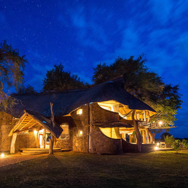 premium-family-adventure-zambia-in-style-safari-packages-tours-luxury-luangwa-safari-house-south-luangwa-lights