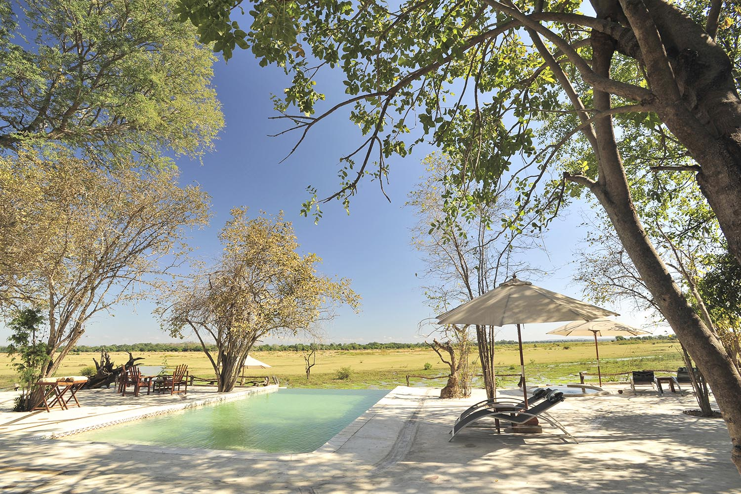 kafunta river lodge zambia-in-style-safari-packages-lodges-pool