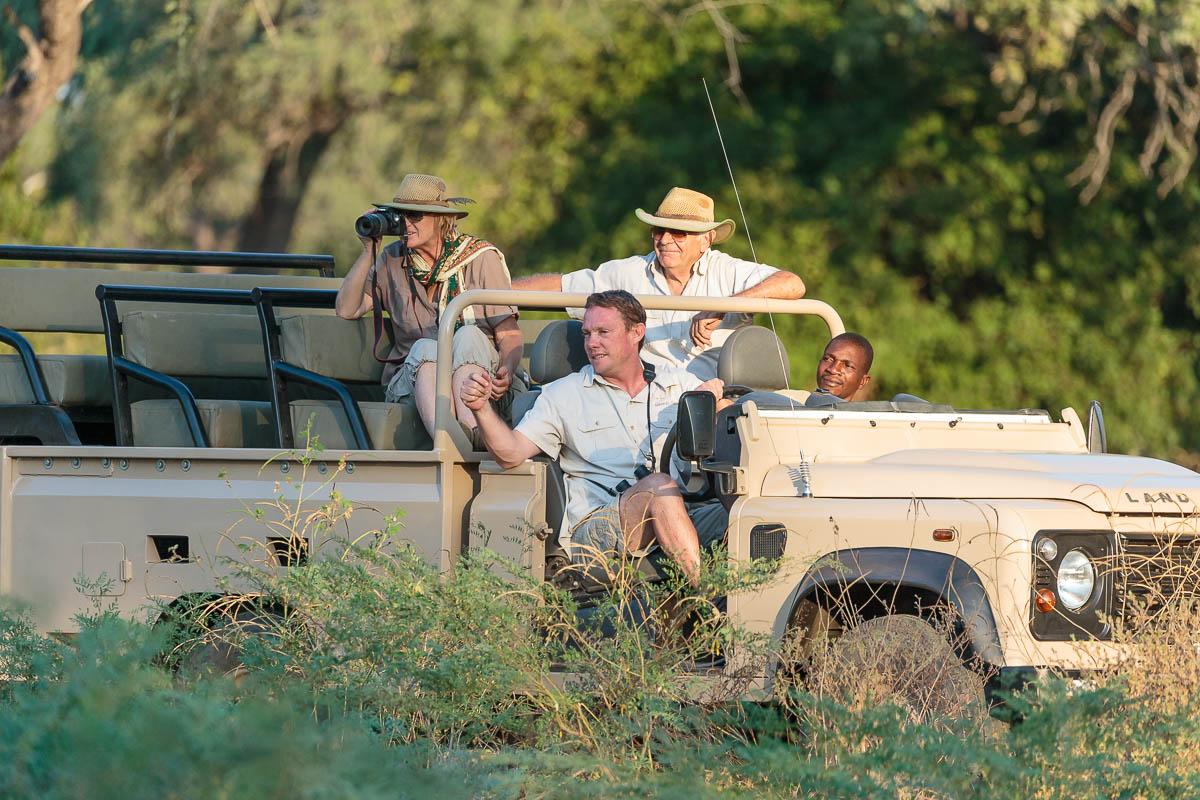 Gavin Opie Safaris game drive