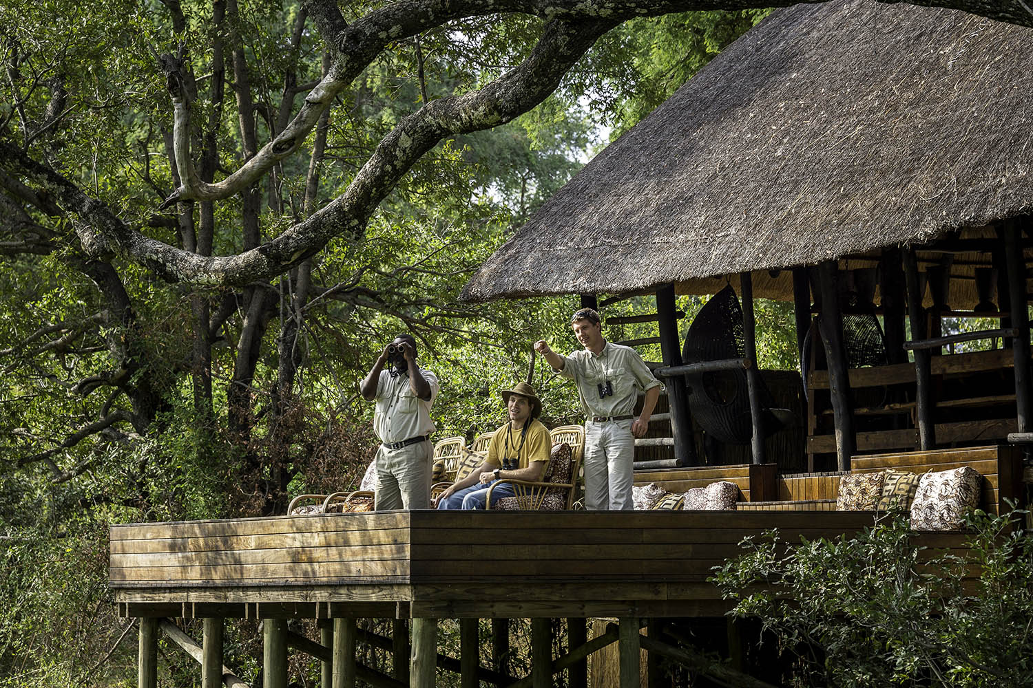 chamilandu bush camp zambia-in-style-tours-safari-packages-lodges-south-luangwa-deck