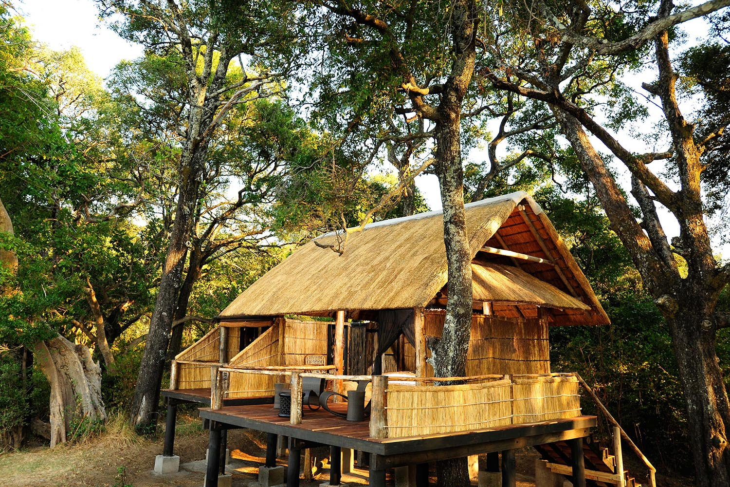 chamilandu bush camp zambia-in-style-tours-safari-packages-lodges-south-luangwa-exterior