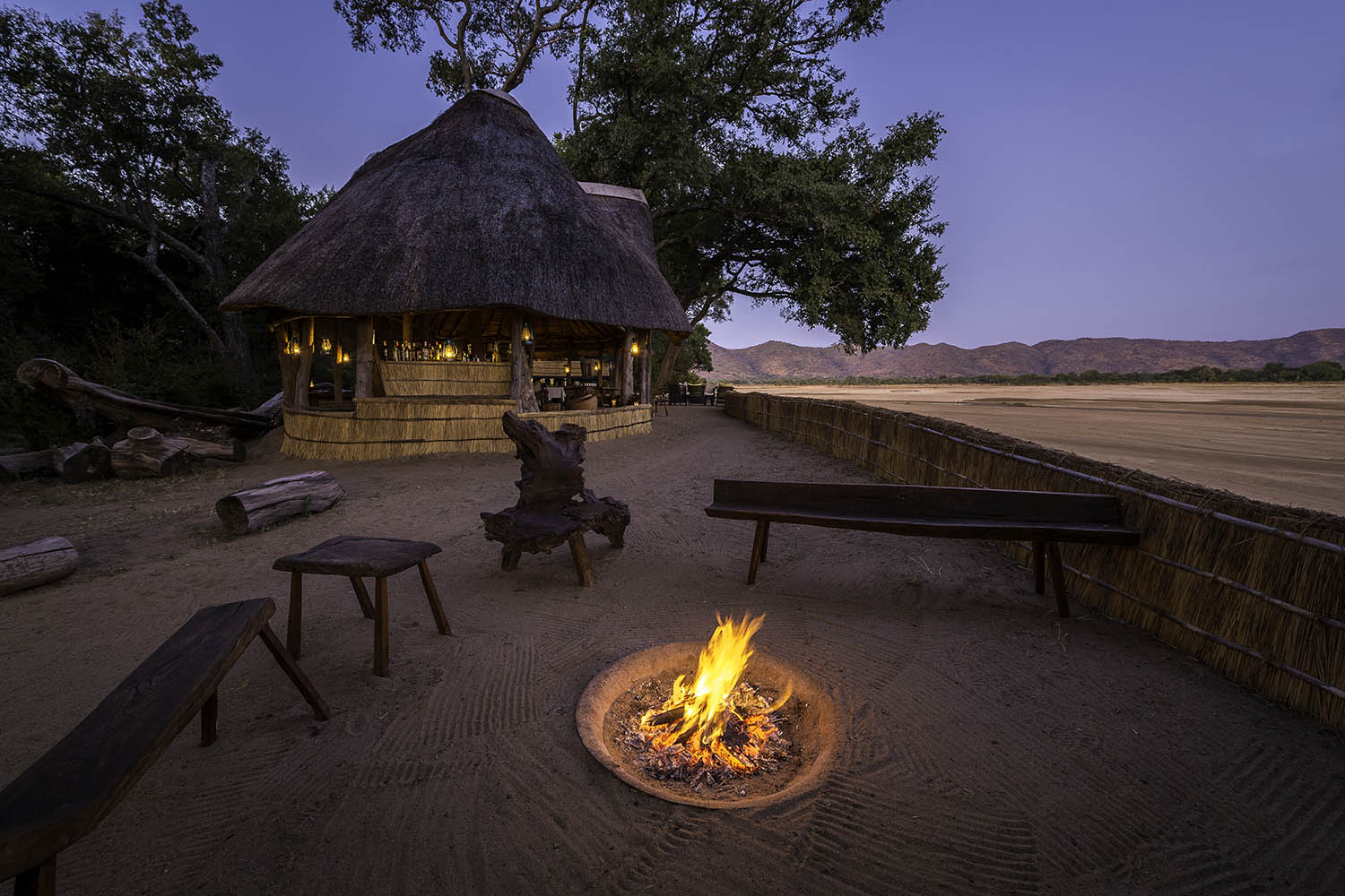 chamilandu bush camp zambia-in-style-tours-safari-packages-lodges-south-luangwa-fireplace