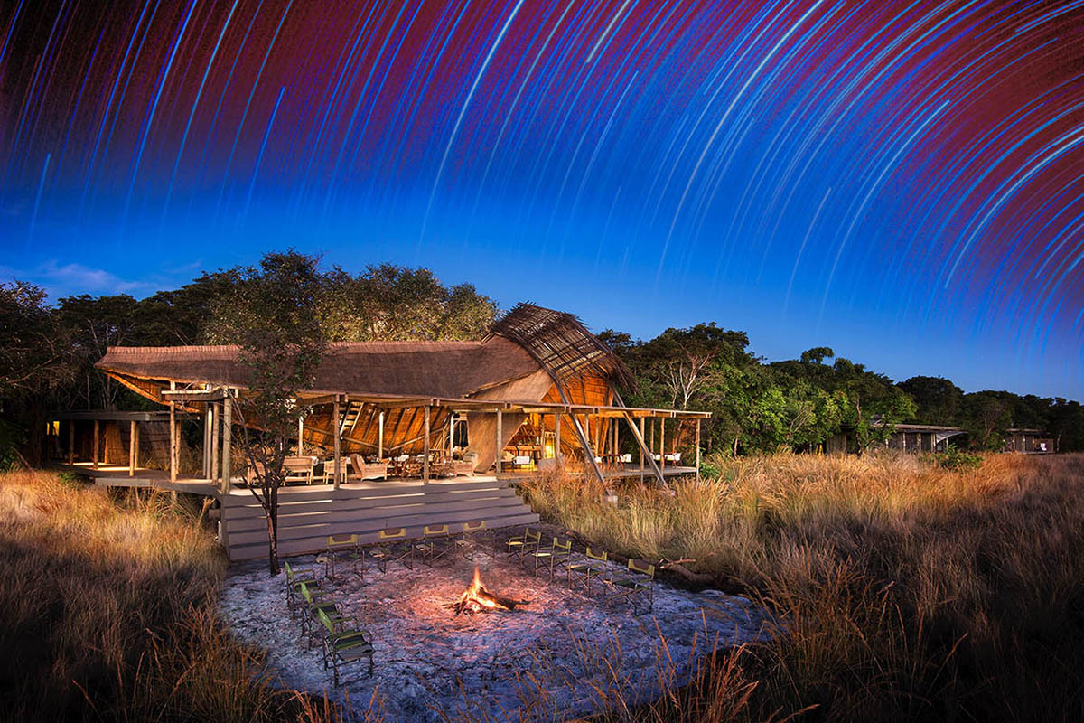 chinzombo-lodge-classic-zambia-long-zambia-in-style-safari-packages-tours-king-leweneka-liuwa-plains-night-sky