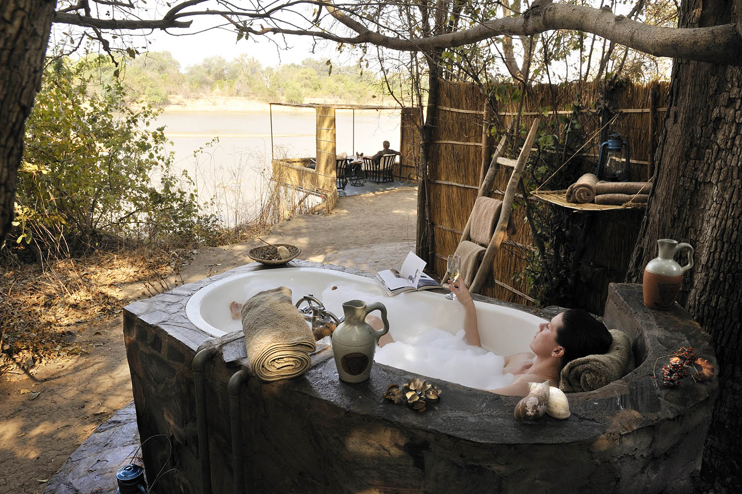 kaingo-camp-luxury-lodge-zambia-in-style-tours-safari-packages-lodges-travel-south-luangwa-national-park-chalet-bath
