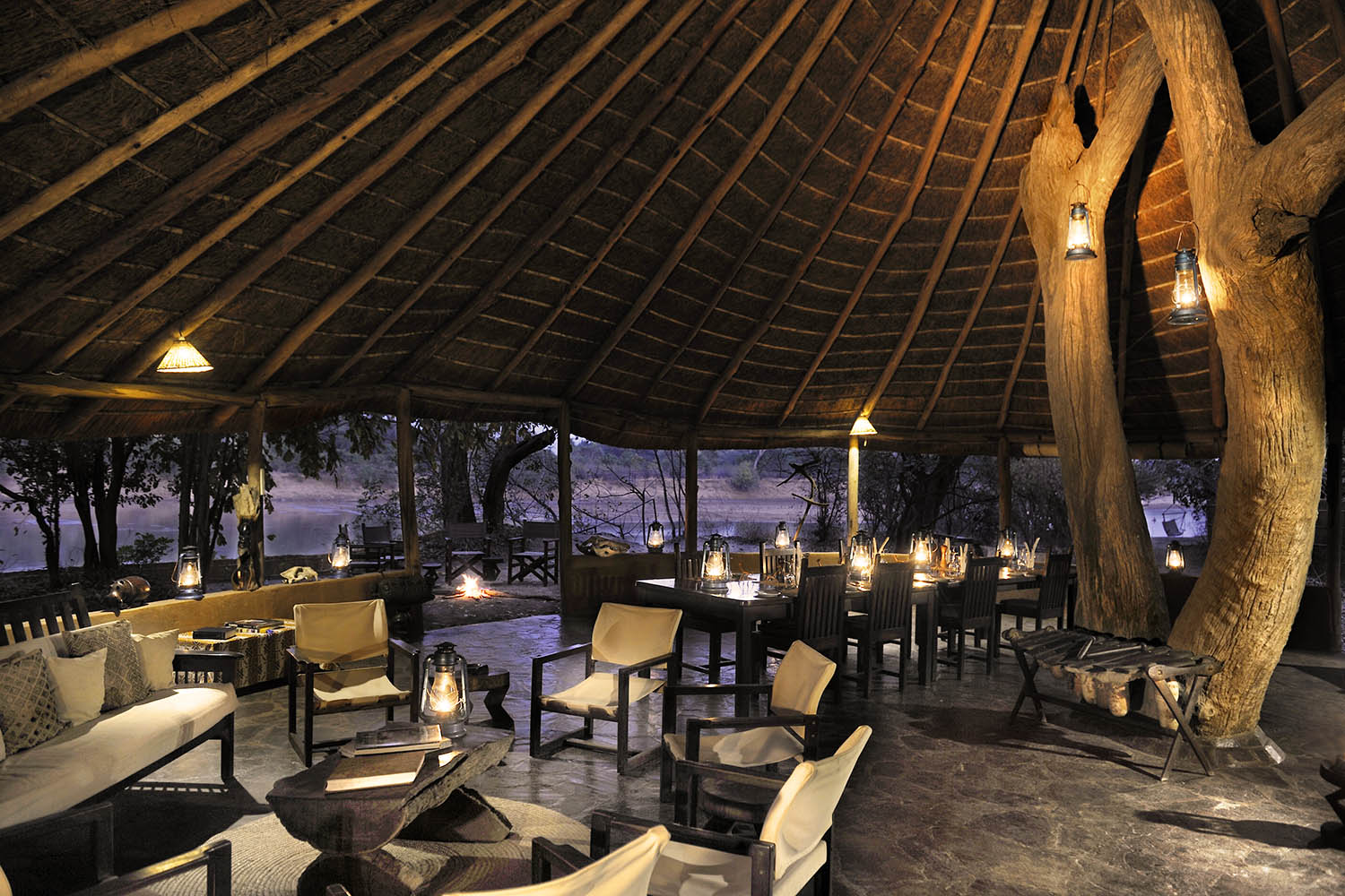 kaingo-camp-luxury-lodge-zambia-in-style-tours-safari-packages-lodges-travel-south-luangwa-national-park-chitenje