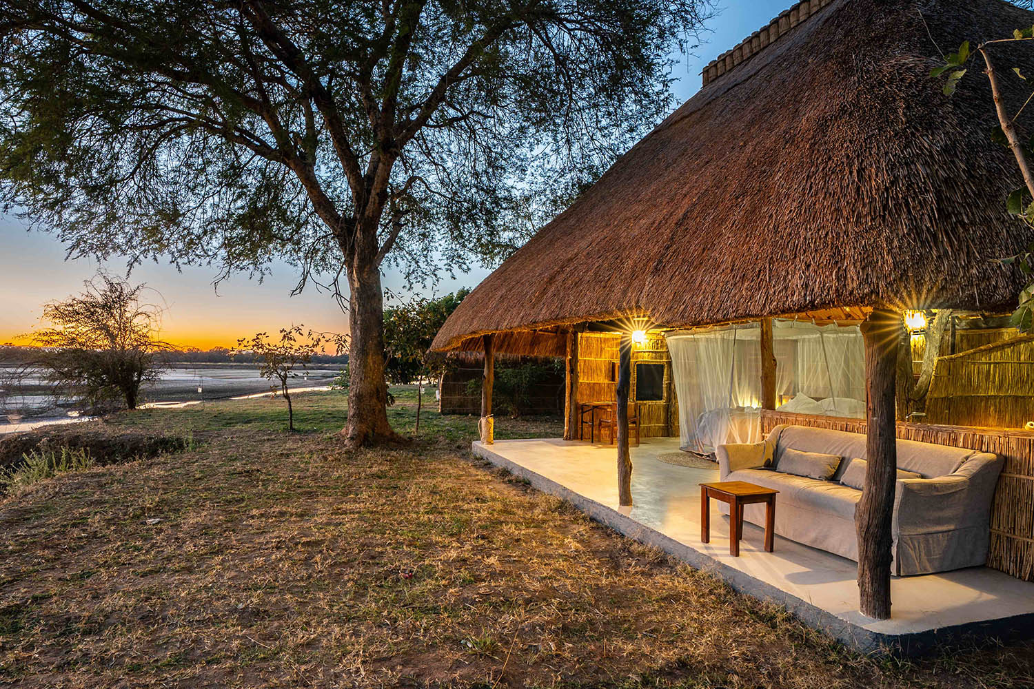 kakuli-beautiful-camp-lodge-zambia-in-style-tours-safari-packages-lodges-south-luangwa-national-park-suite-exterior