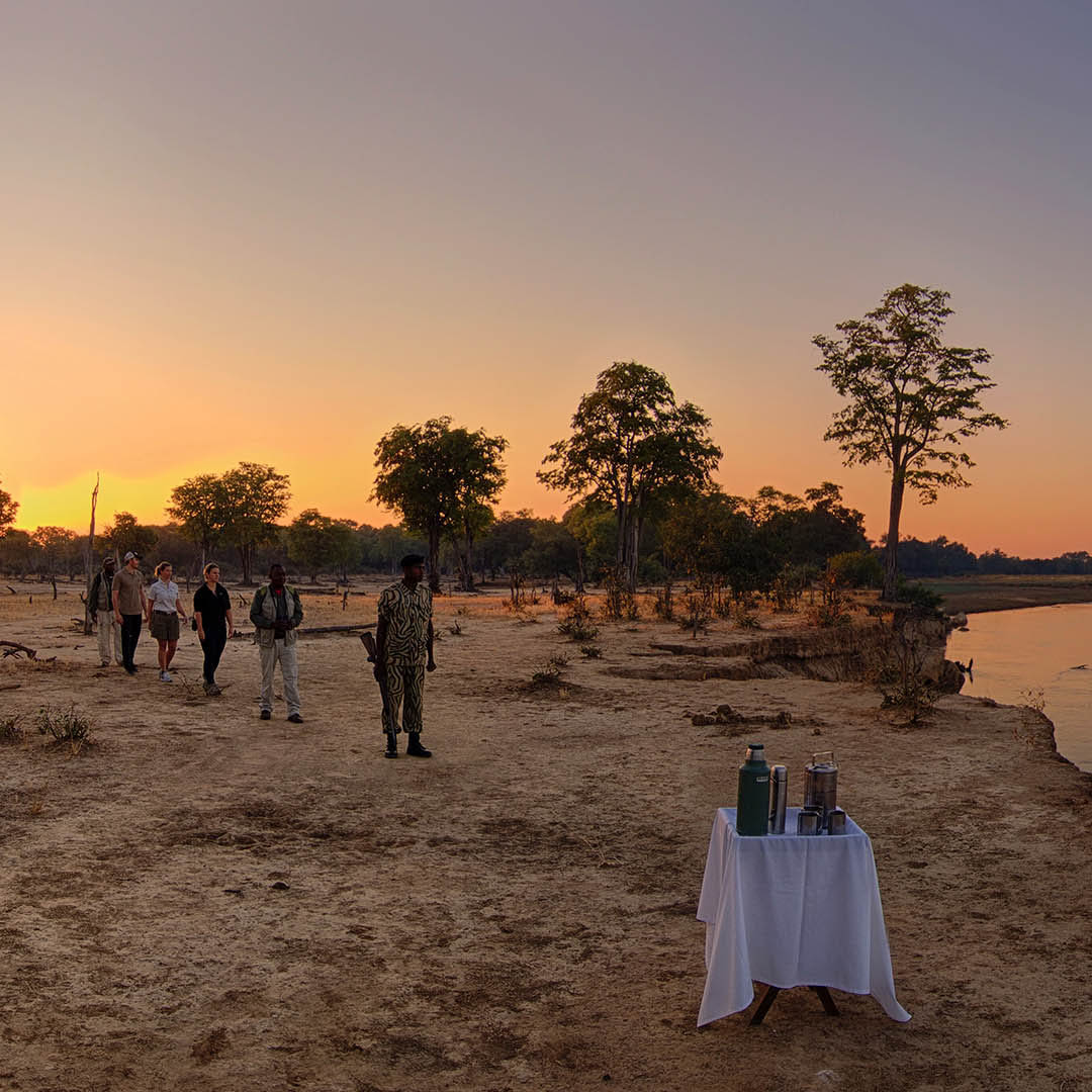 kakuli-beautiful-camp-lodge-zambia-in-style-tours-safari-packages-lodges-south-luangwa-national-park-walking-safaris-river