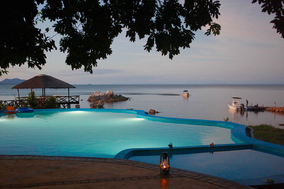 kakuli-lodge-rivers-rainbows-lakes-zambia-in-style-safari-packages-luxury-tours-blue-zebra-lake-malawi-infinity-pool