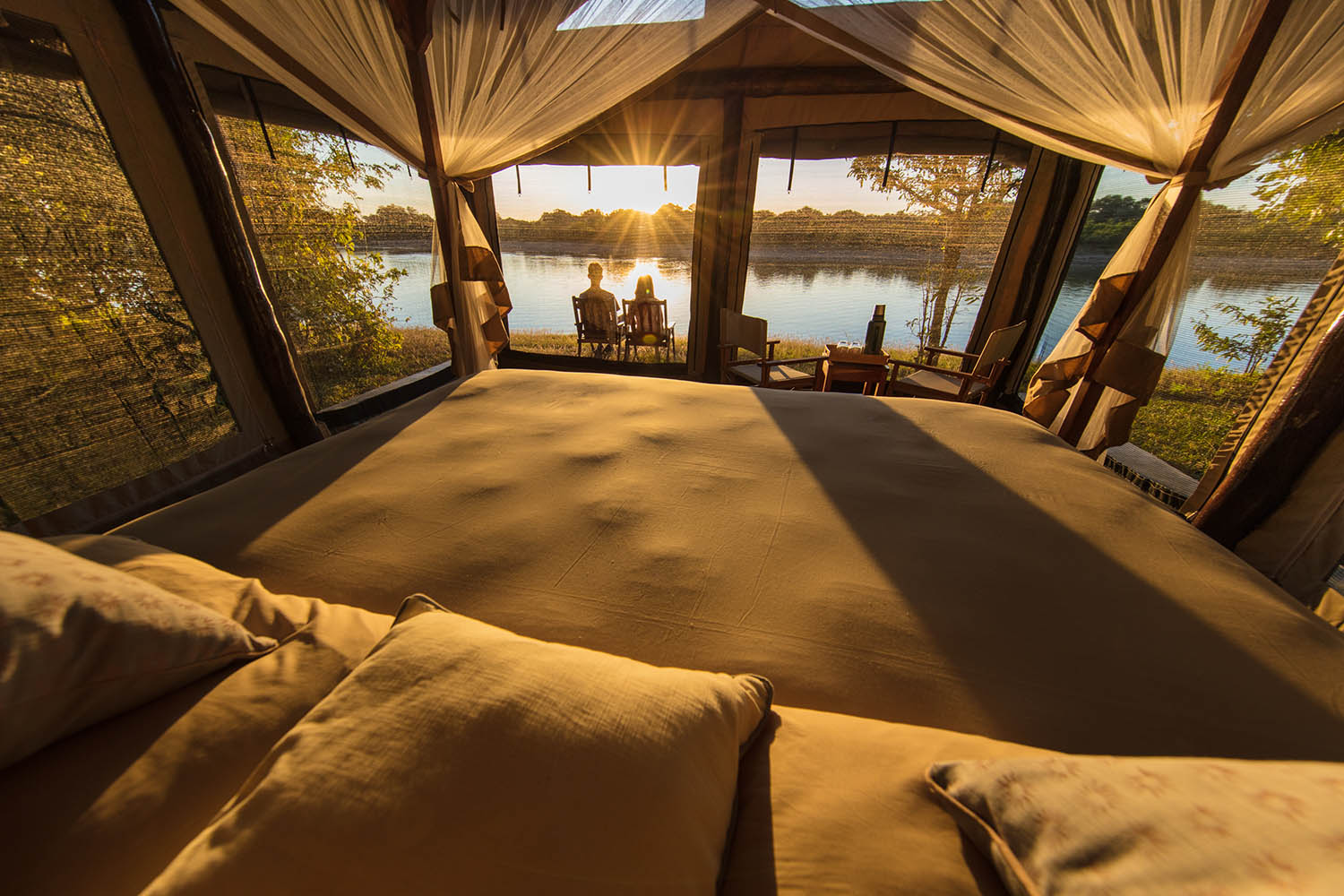 luambe-camp-lodge-zambia-in-style-tours-safari-packages-lodges-luambe-national-park-south-north-luangwa-bed-rooms