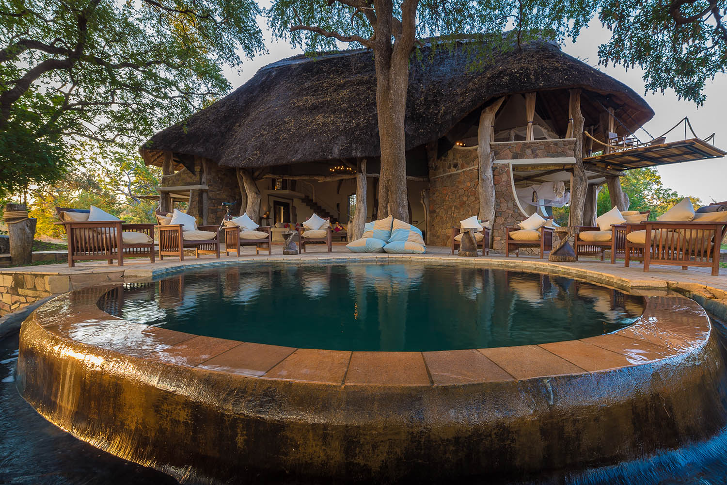 luangwa safari house lodge-zambia-in-style-tours-safari-packages-lodges-south-luangwa-national-park-pool