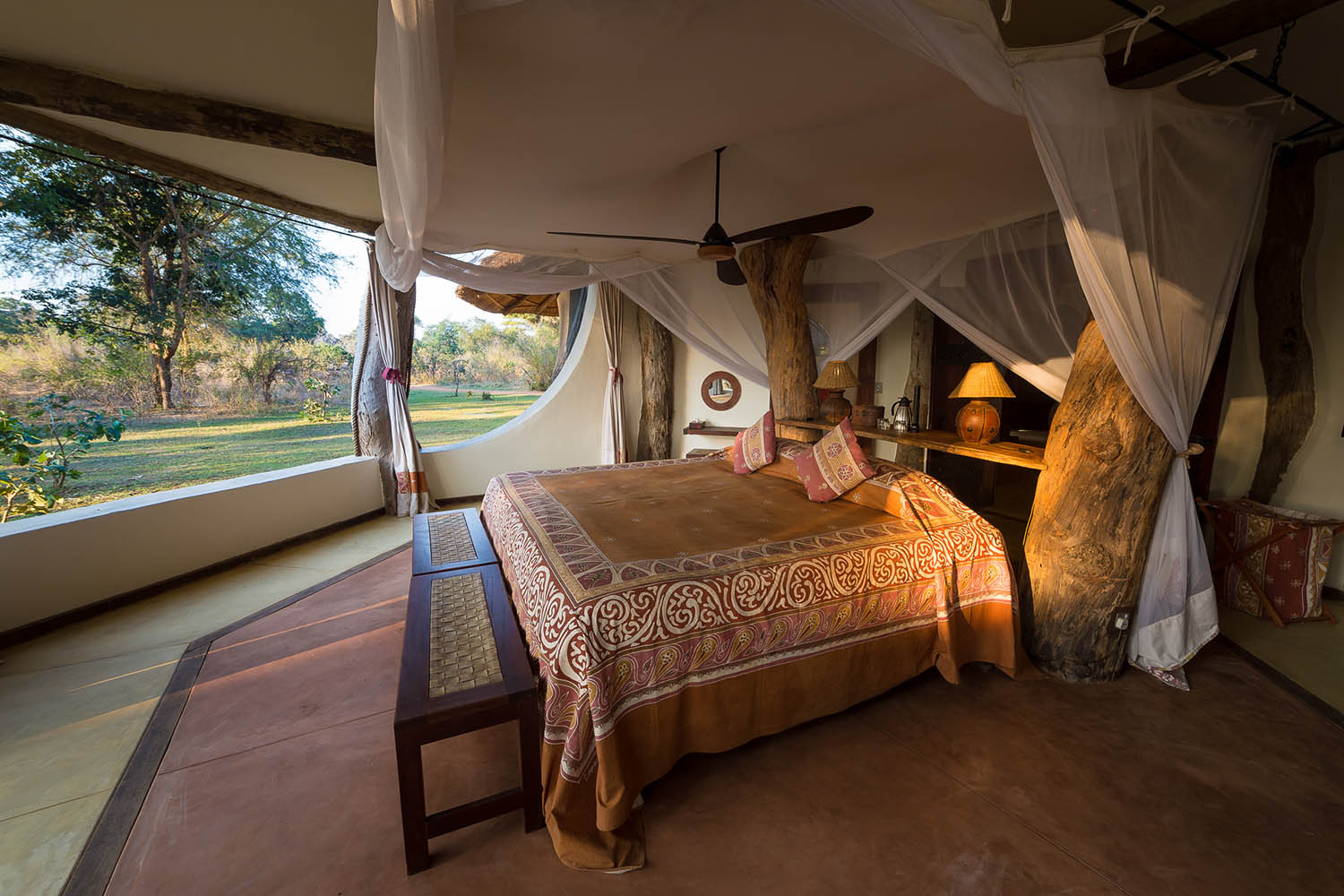 luangwa safari house lodge-zambia-in-style-tours-safari-packages-lodges-travel-south-luangwa-national-park-bedroom-suite