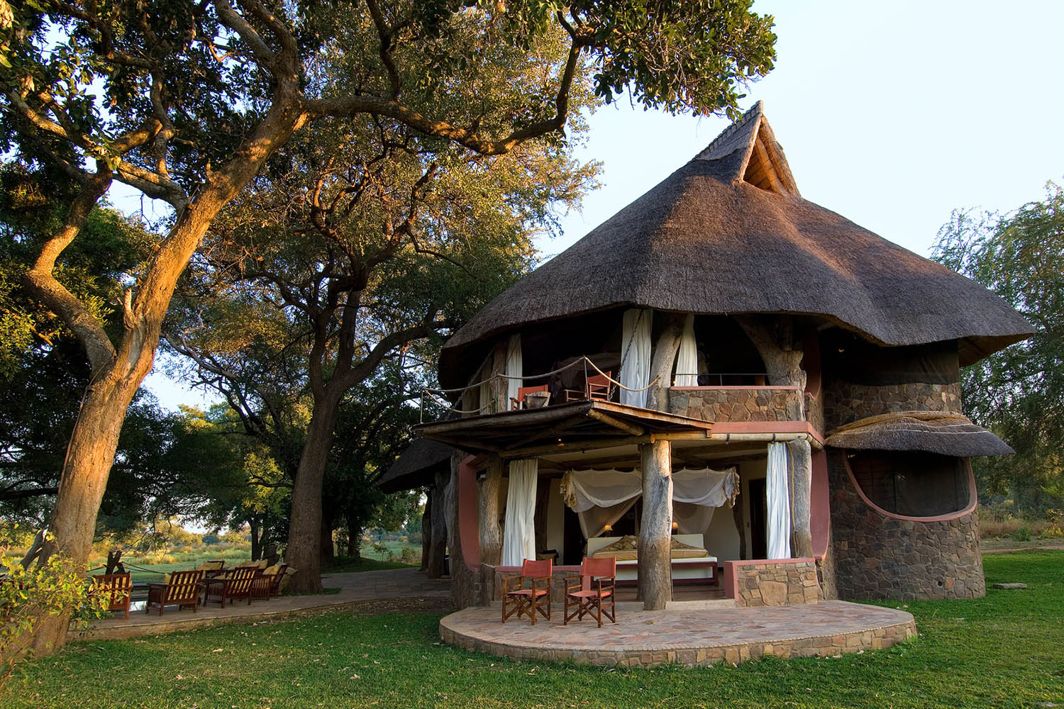luangwa safari house lodge zambia-in-style-tours-safari-packages-lodges-travel-south-luangwa-national-park-front-garden
