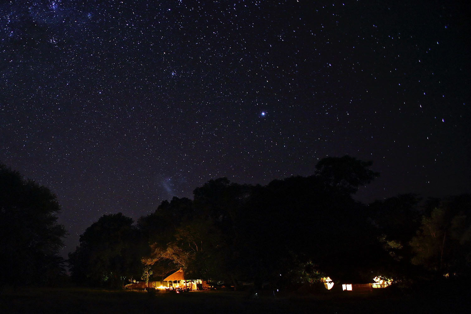 luwi-camp-lodge-zambia-in-style-tours-safari-packages-lodges-south-luangwa-national-park-night-sky