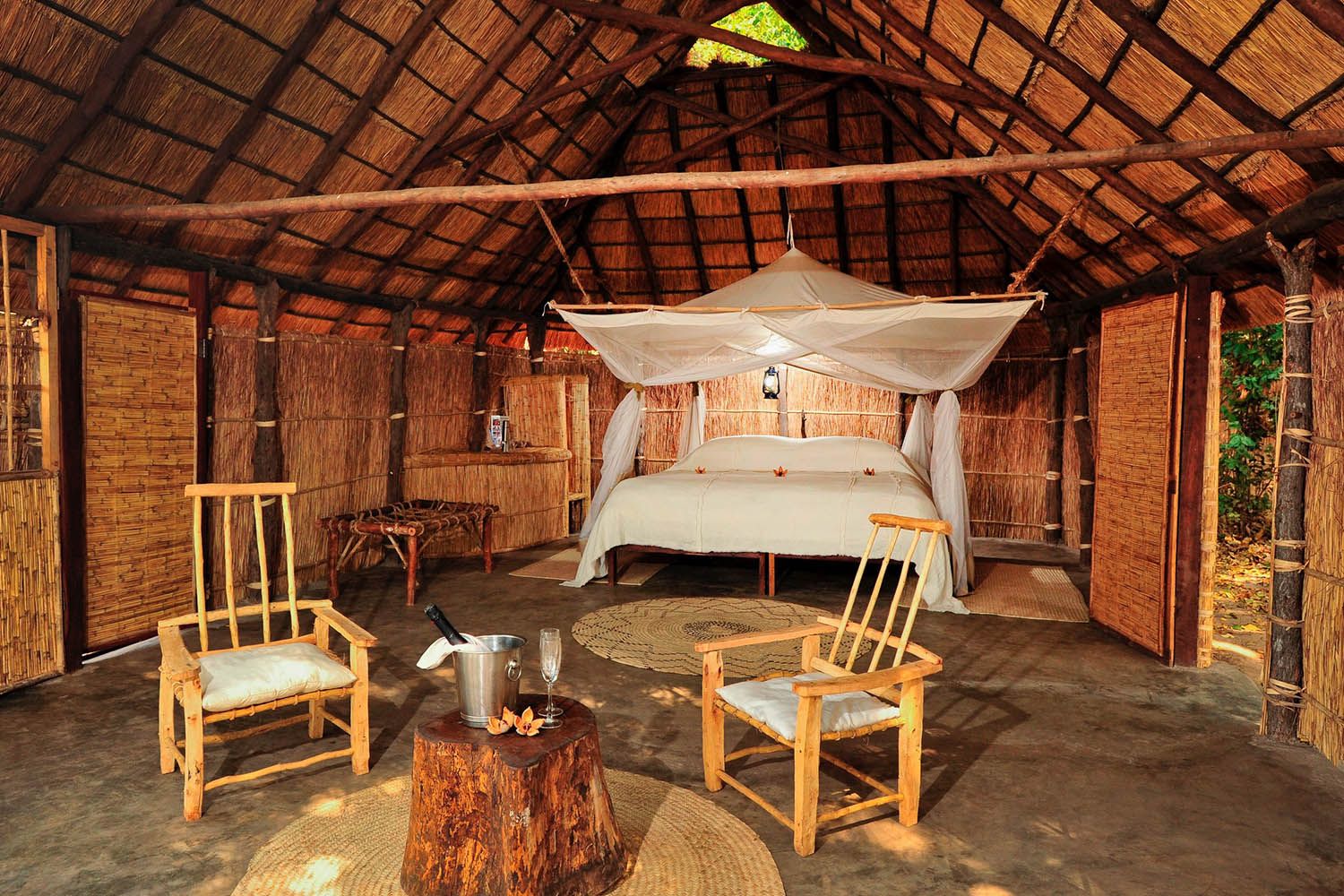 luwi-camp-lodge-zambia-in-style-tours-safari-packages-lodges-south-luangwa-national-park-suite