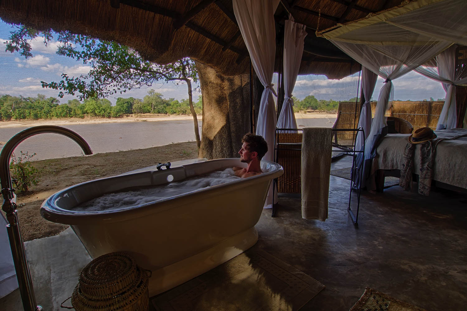 mchenja-bush-camp-lodge-zambia-in-style-tours-safari-packages-lodges-explore-south-luangwa-national-park-bathing