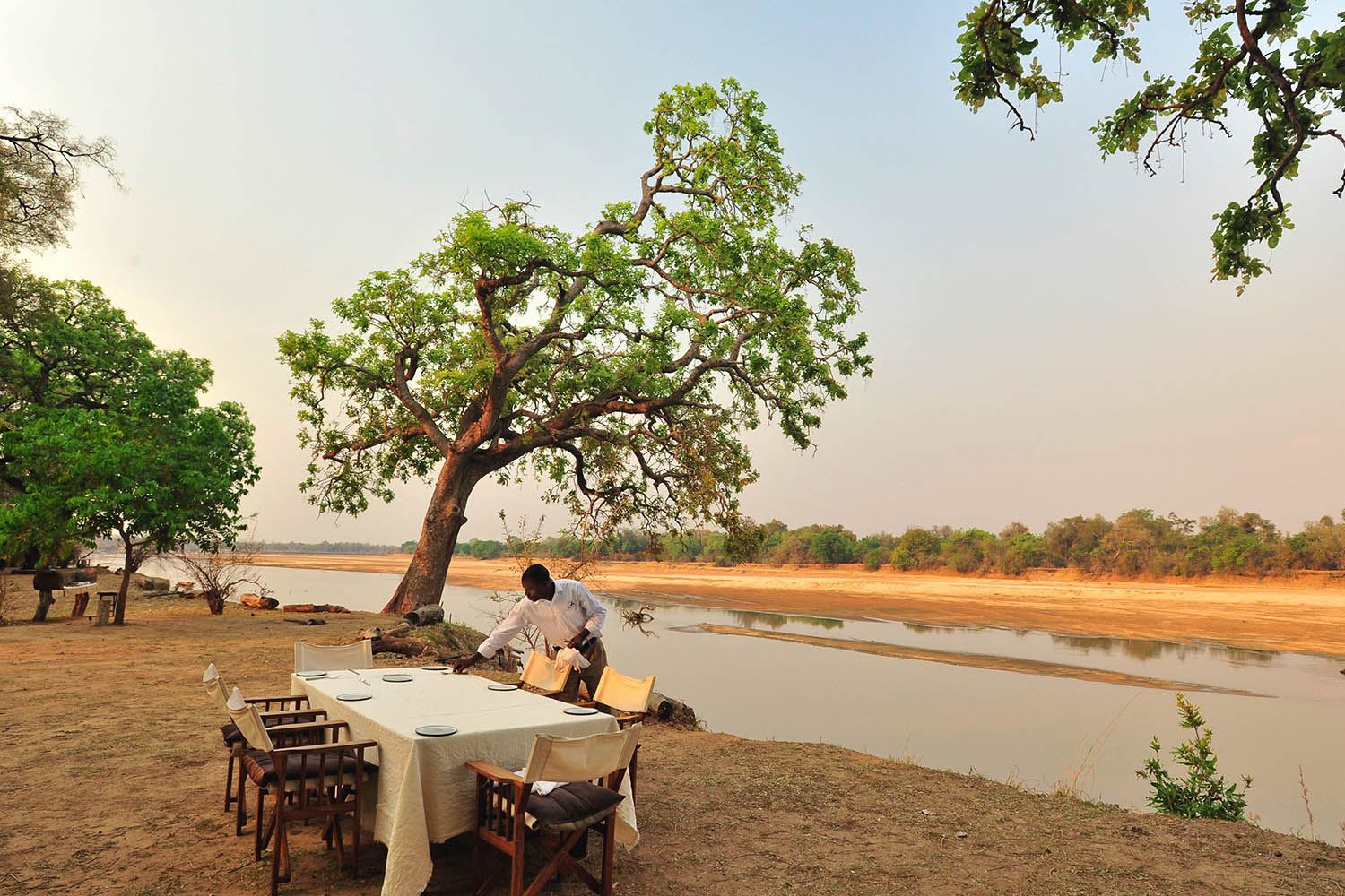 mchenja-bush-camp-lodge-zambia-in-style-tours-safari-packages-lodges-explore-south-luangwa-national-park-dinner-view