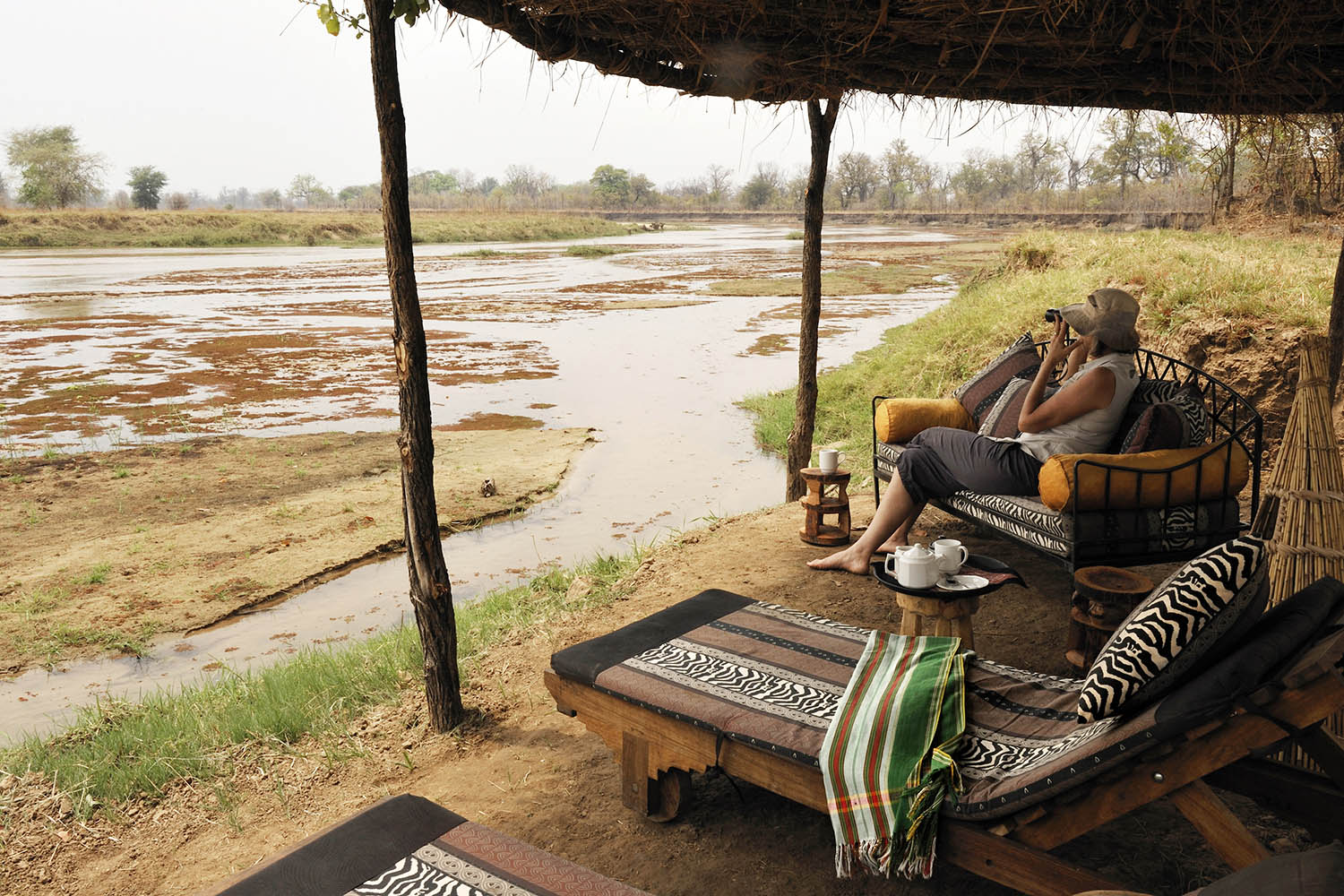 mwaleshi-camp-lodge-zambia-in-style-tours-safari-packages-lodges-travel-north-luangwa-relaxing