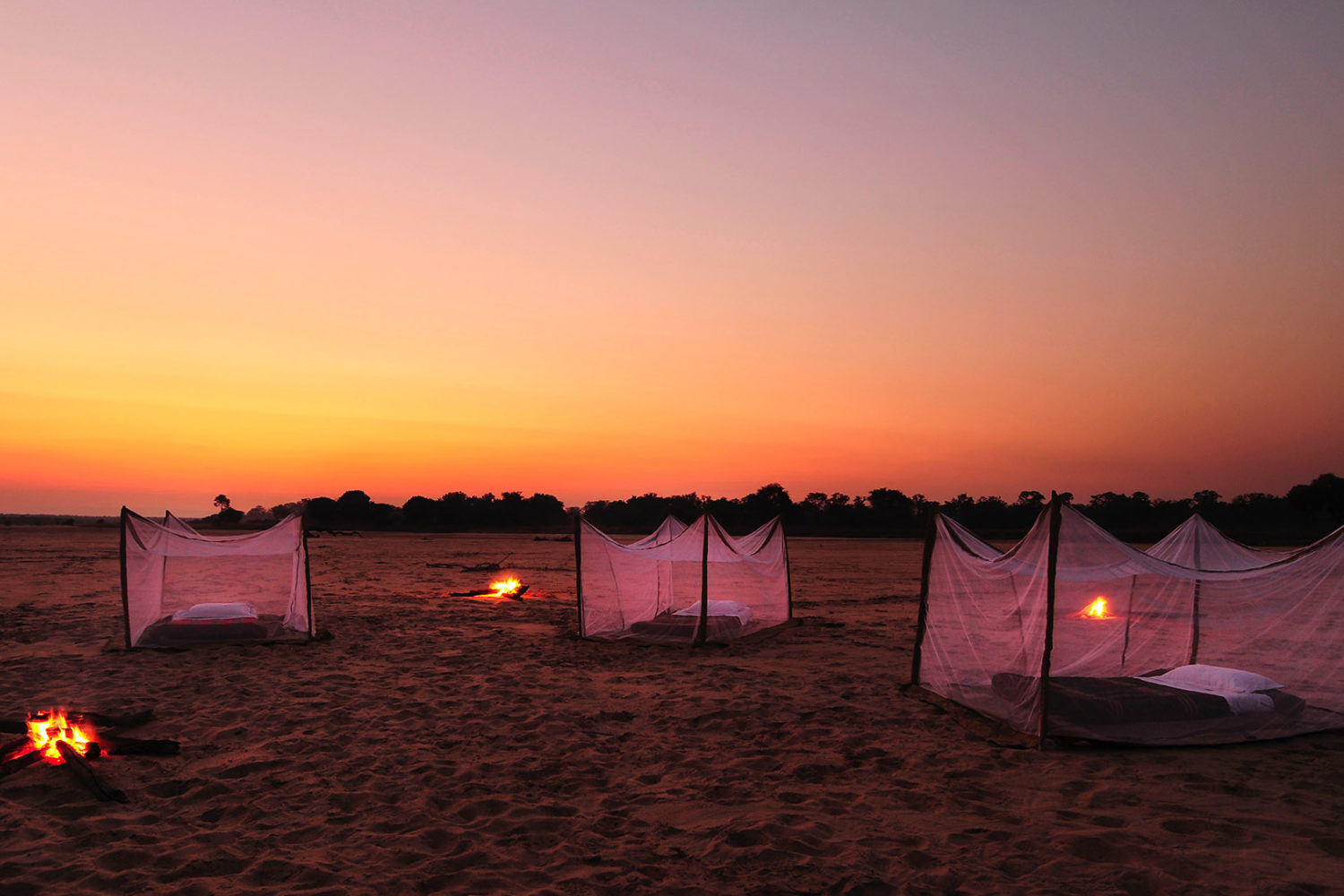 nsolo-lodge-zambia-in-style-tours-safari-packages-lodges-south-luangwa-national-park-sleep-out