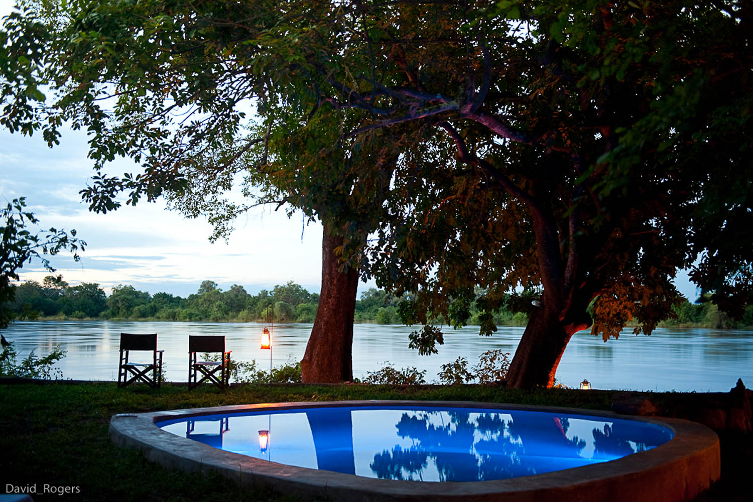 robins house lodge-zambia-in-style-tours-safari-packages-lodges-south-luangwa-national-park-pool-view