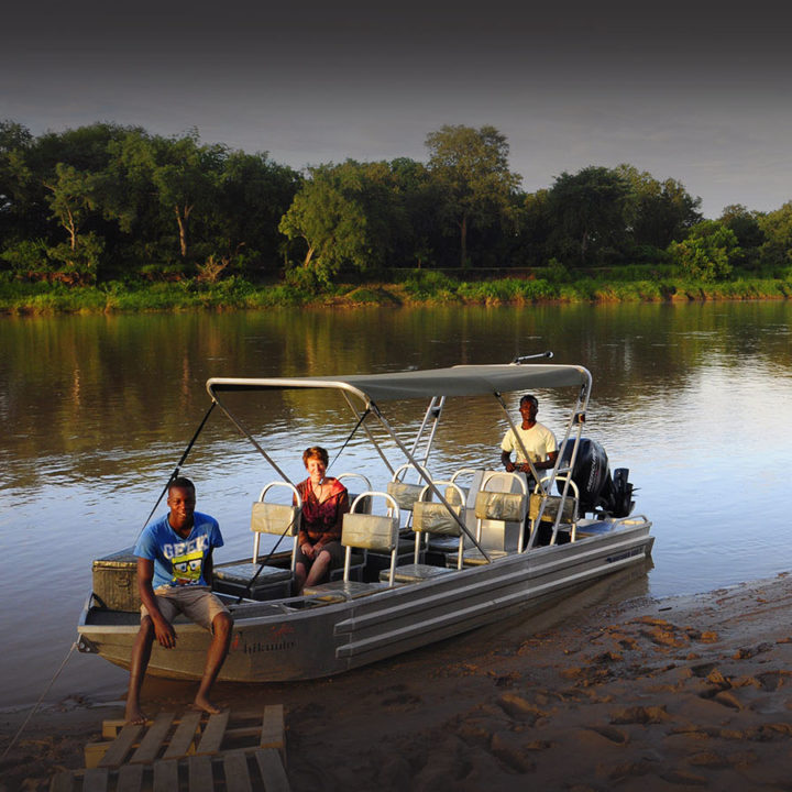 chikunto-lodge-zambia-in-style-safari-packages-lodges-luxury-tents-south-luangwa-boat-safari-river