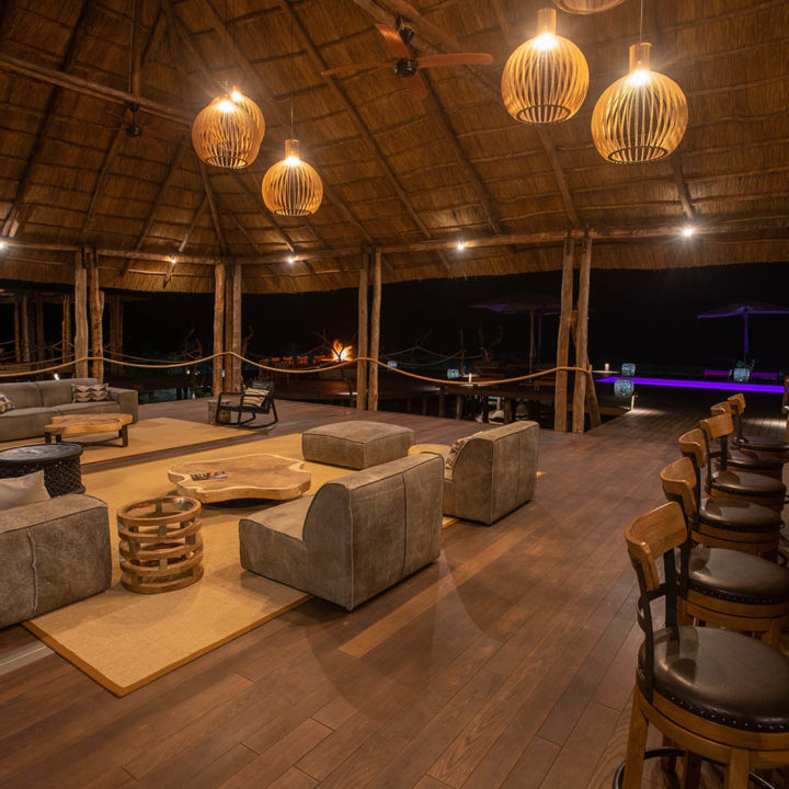 chikunto-lodge-zambia-in-style-safari-packages-lodges-luxury-tents-south-luangwa-food-ambience-bar-lounge-area