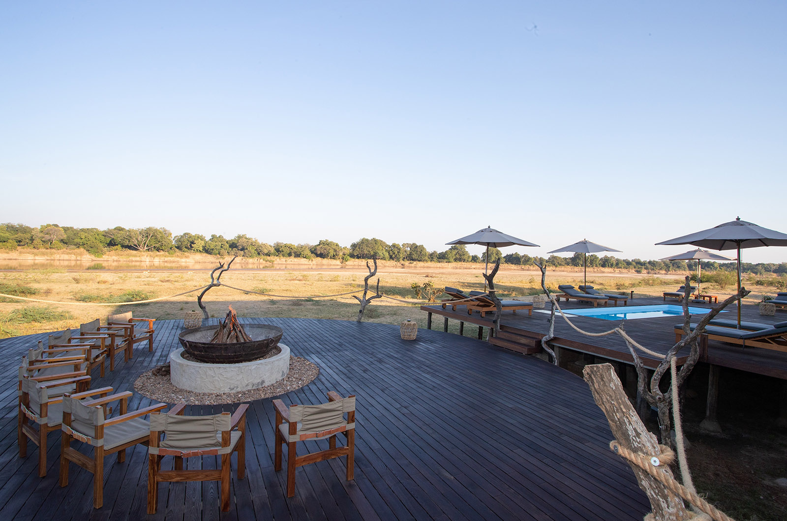 chikunto-lodge-zambia-in-style-safari-packages-lodges-luxury-tents-south-luangwa-pool-area