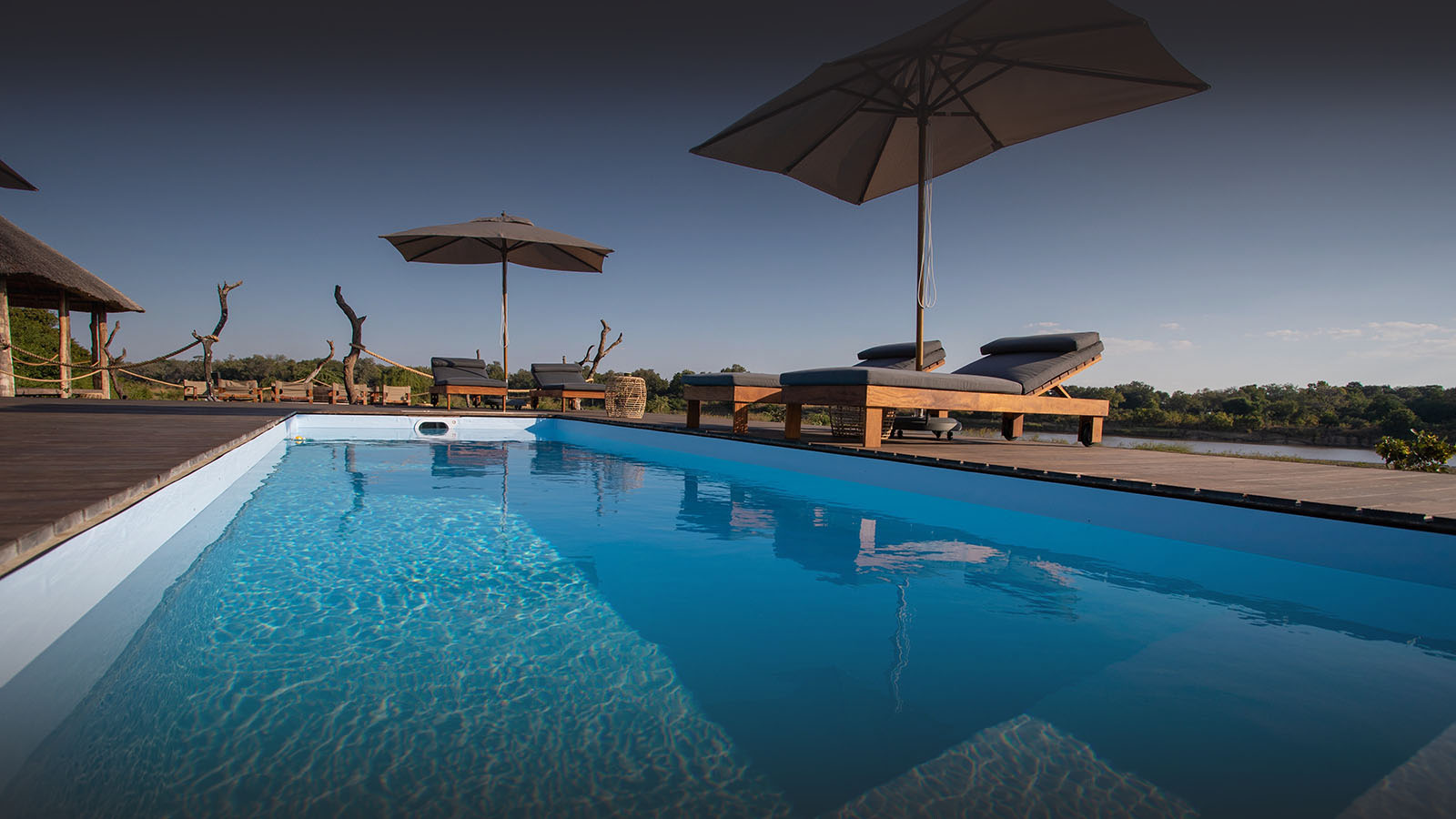 chikunto-lodge-zambia-in-style-safari-packages-lodges-luxury-tents-south-luangwa-pool