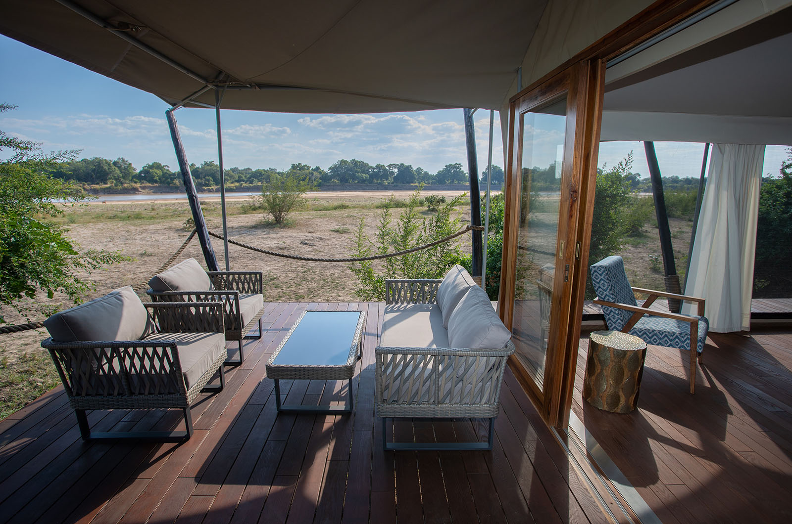 chikunto-lodge-zambia-in-style-safari-packages-lodges-luxury-tents-south-luangwa-views