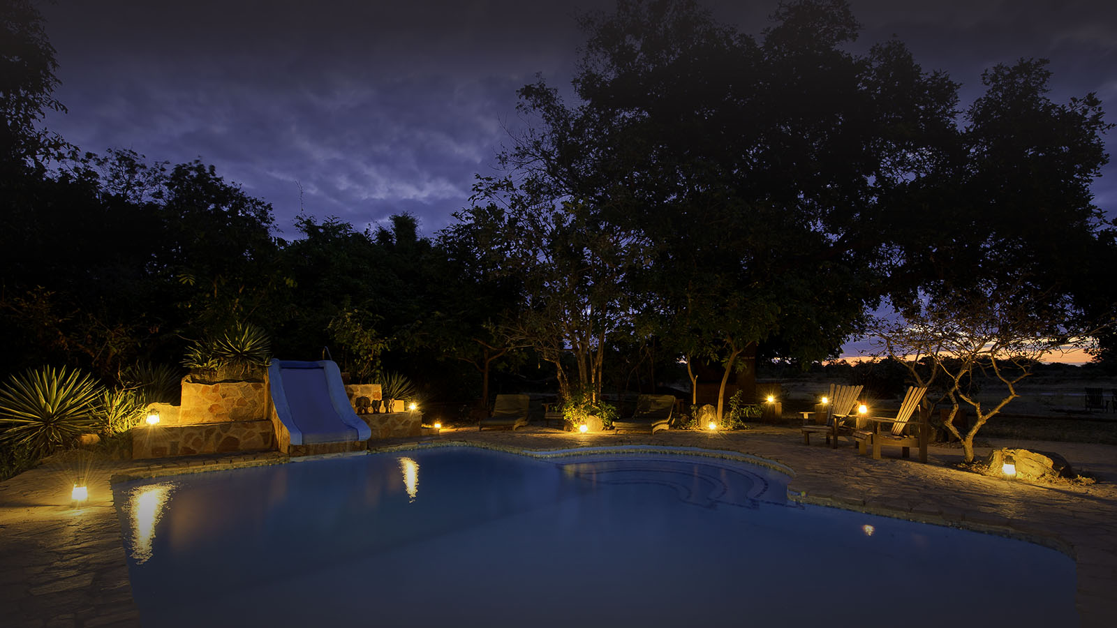 flatdogs-camp-zambia-in-style-tours-safari-packages-lodges-explore-south-luangwa-national-park-swimming-pool-dusk