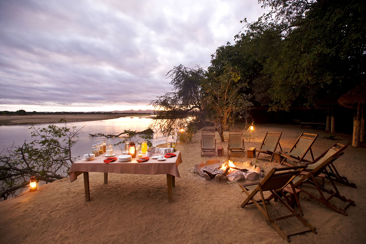 island bush camp lodge-zambia-in-style-safari-packages-south-luangwa-breakfast