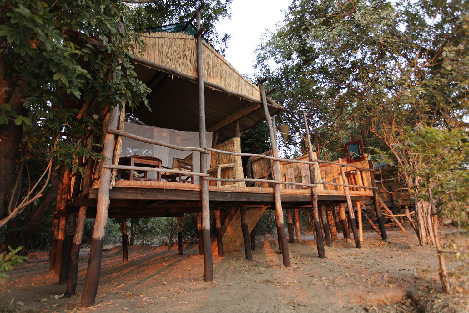 island bush camp lodge-zambia-in-style-safari-packages-south-luangwa-room-front