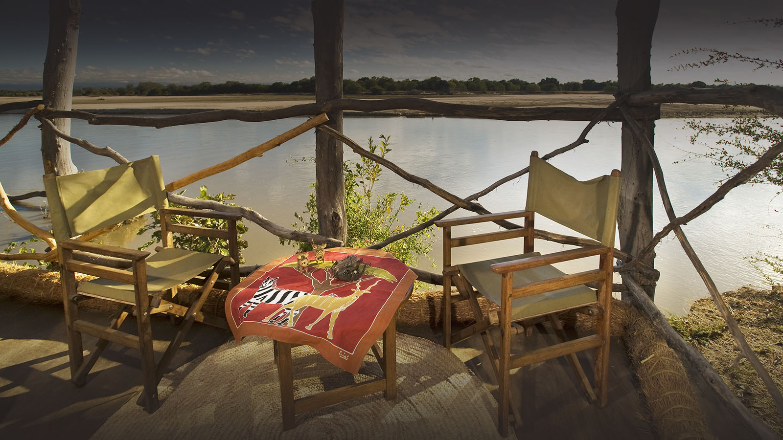 island bush camp lodge-zambia-in-style-safari-packages-south-luangwa-room-interior
