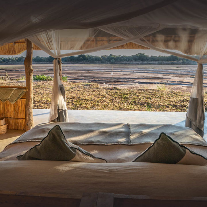 kakuli-beautiful-camp-lodge-zambia-in-style-tours-safari-packages-lodges-explore-south-luangwa-national-park-suite