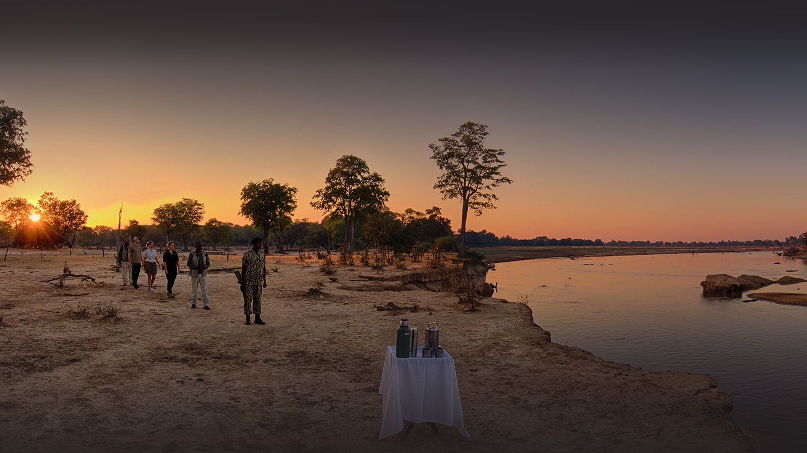 kakuli-beautiful-camp-lodge-zambia-in-style-tours-safari-packages-lodges-explore-south-luangwa-national-park-walking-safari
