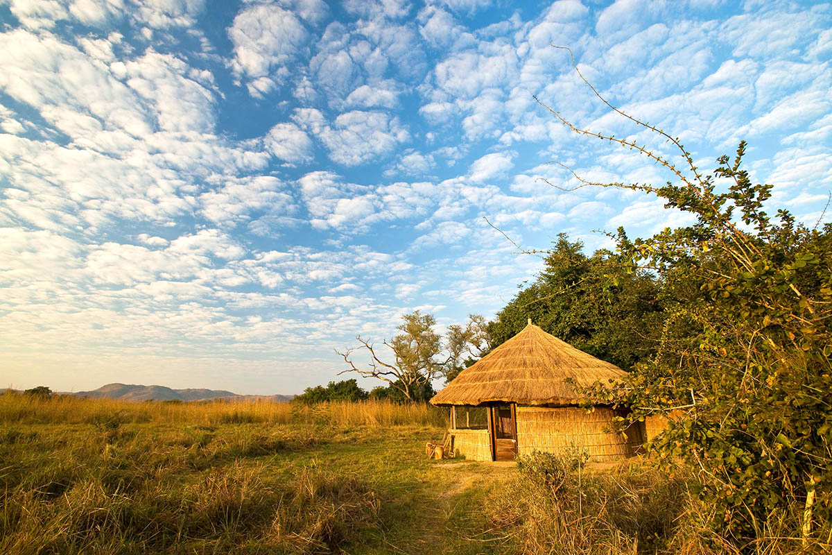 kuyenda bush camp lodge-zambia-in-style-tours-safari-packages-lodges-explore-south-luangwa-national-park-camp