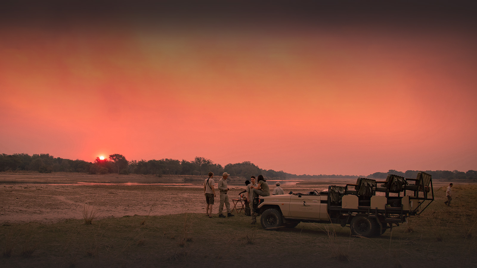 luambe-camp-lodge-zambia-in-style-tours-safari-packages-lodges-luambe-national-park-south-north-luangwa-game-drive