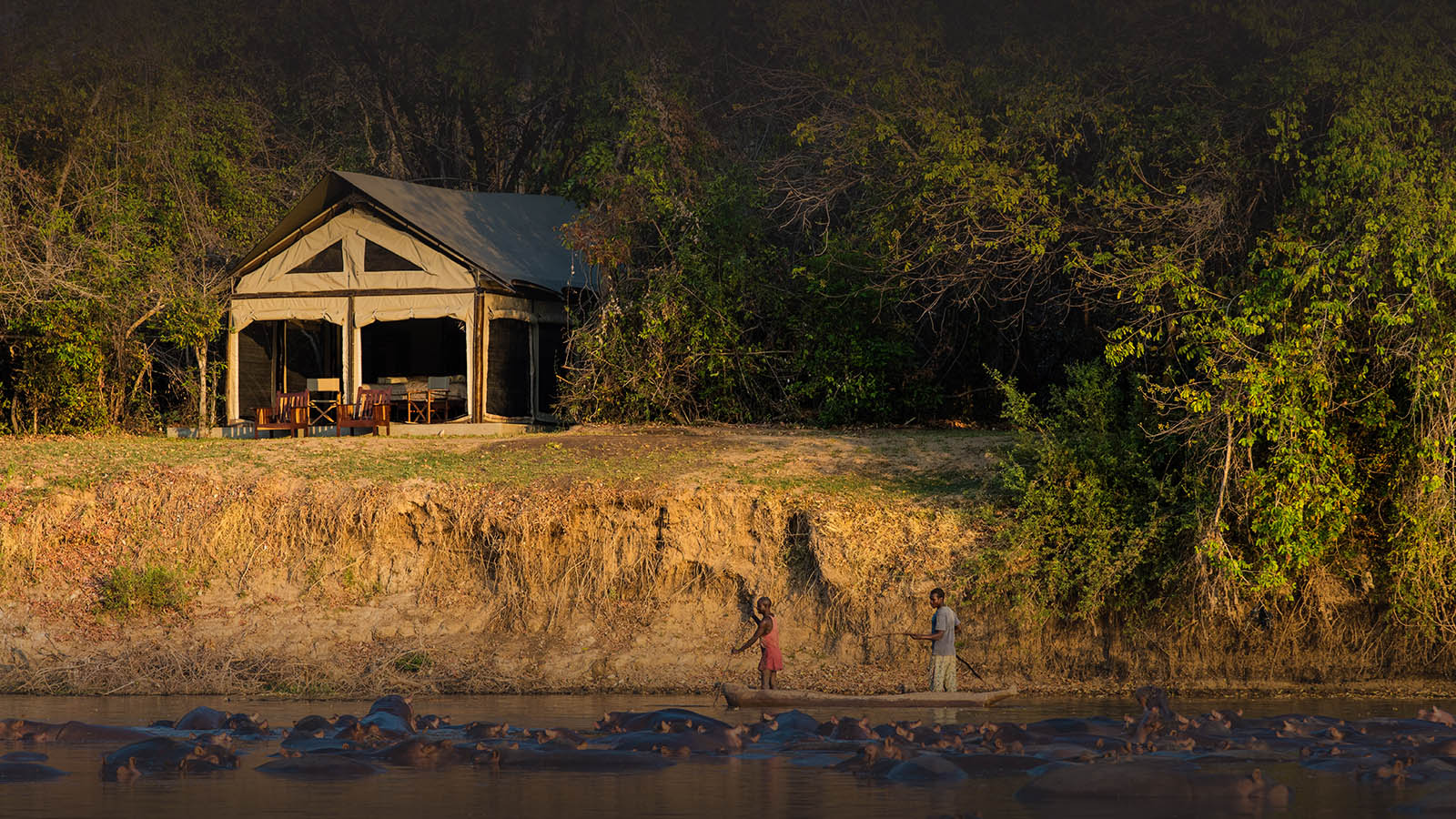 luambe-camp-lodge-zambia-in-style-tours-safari-packages-lodges-luambe-national-park-south-north-luangwa-tents