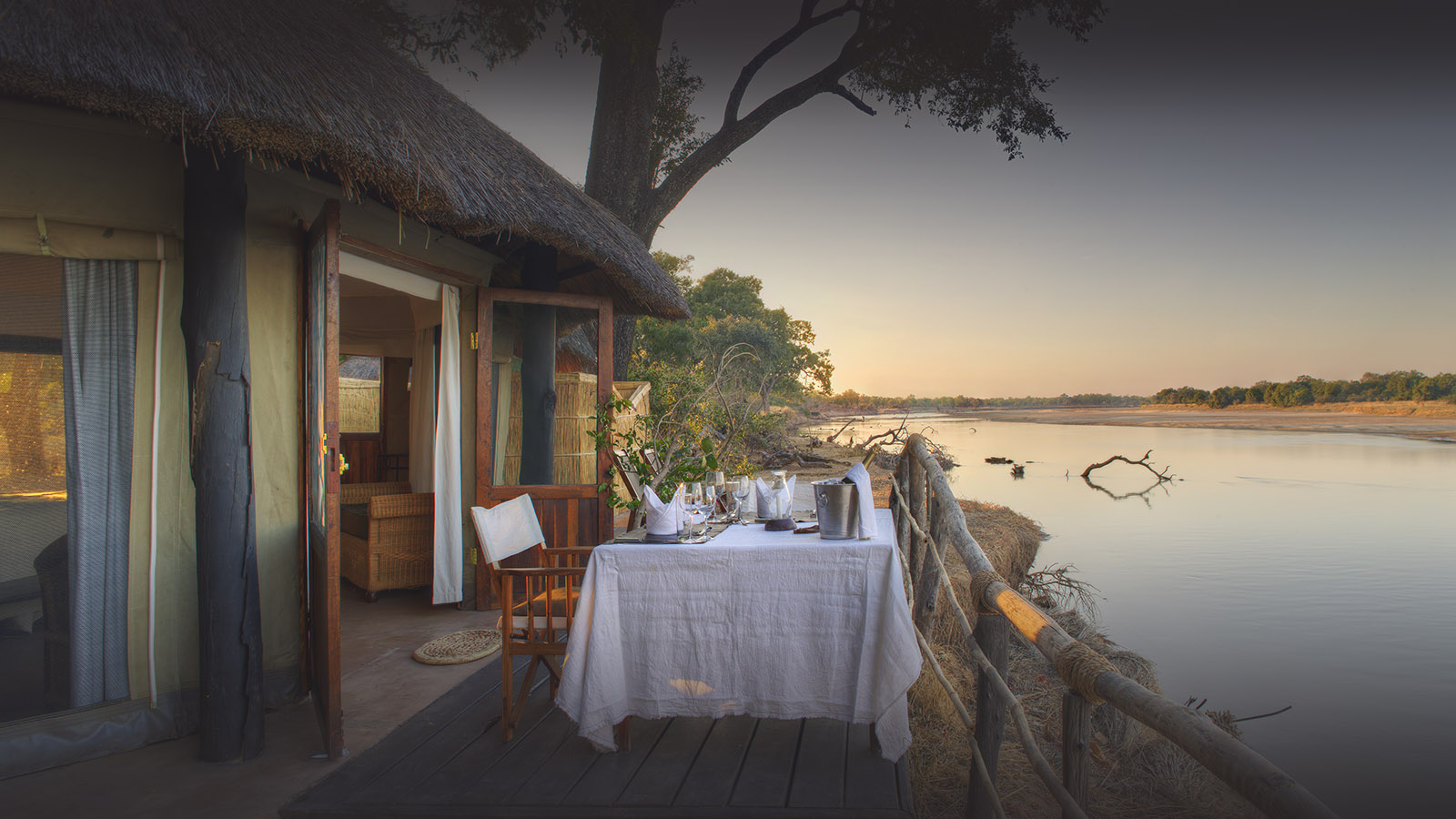 mchenja-bush-camp-lodge-zambia-in-style-tours-safari-packages-lodges-south-luangwa-national-park-dining-day