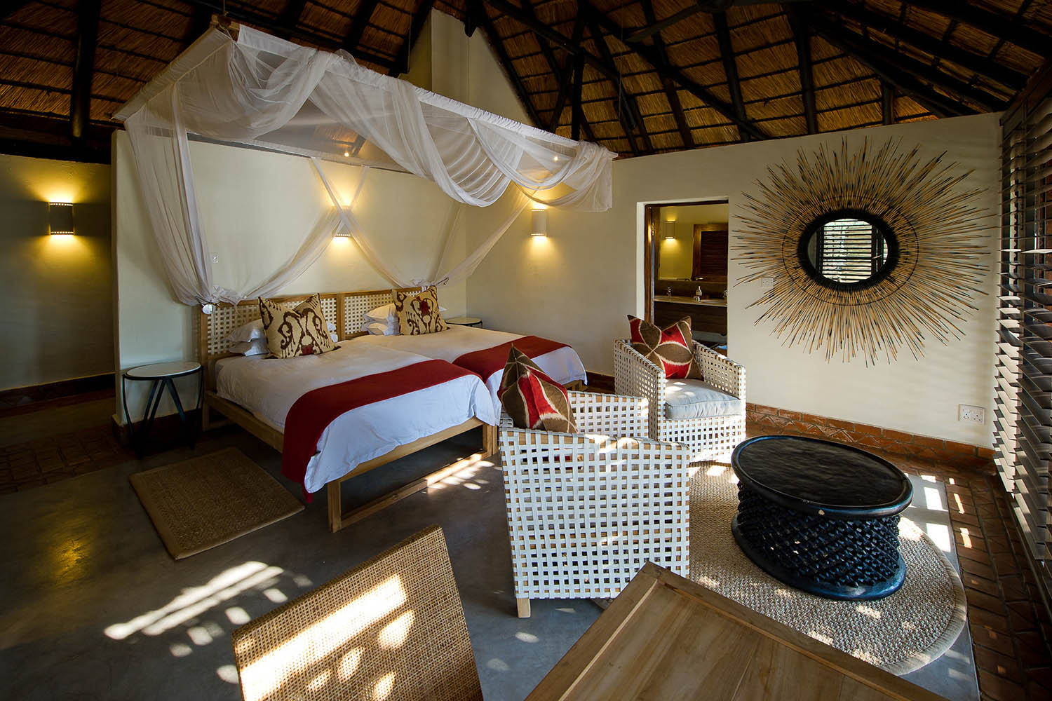 mfuwe-bush-camp-zambia-in-style-safari-packages-south-luangwa-national-park-bedroom