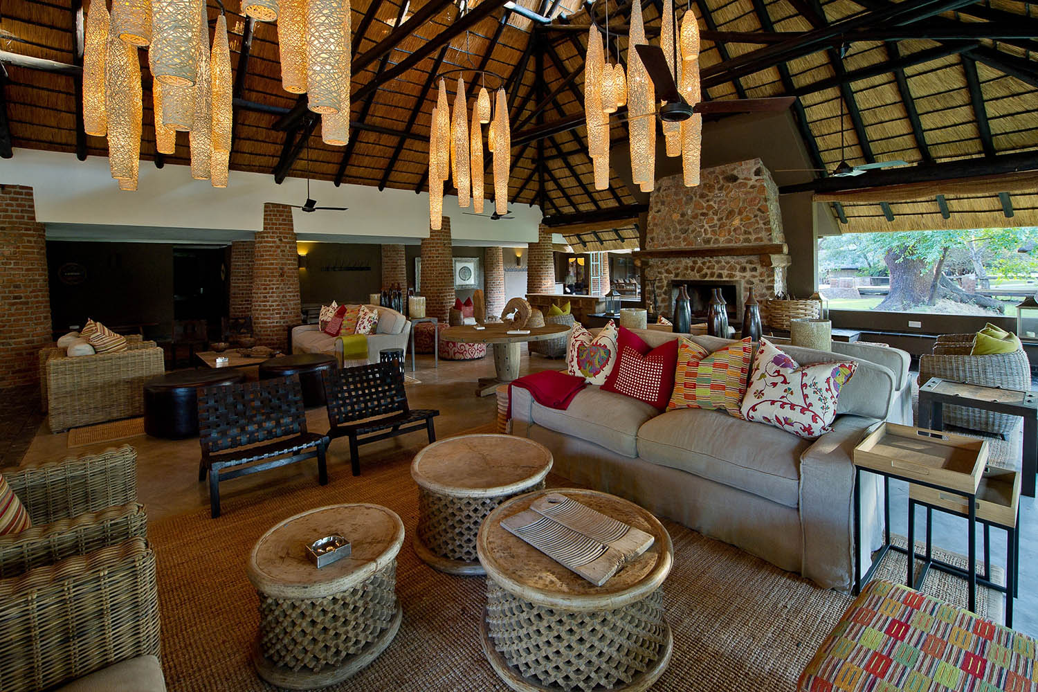 mfuwe-bush-camp-zambia-in-style-safari-packages-south-luangwa-national-park-lounge-area