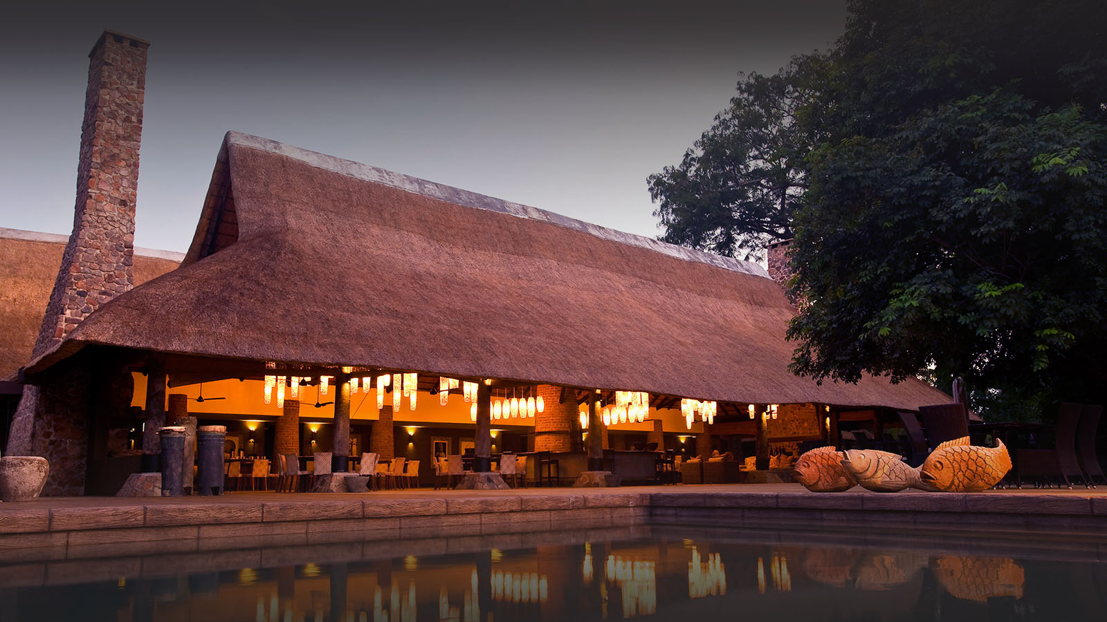 mfuwe-bush-camp-zambia-in-style-safari-packages-south-luangwa-national-park-tours-pool-bar