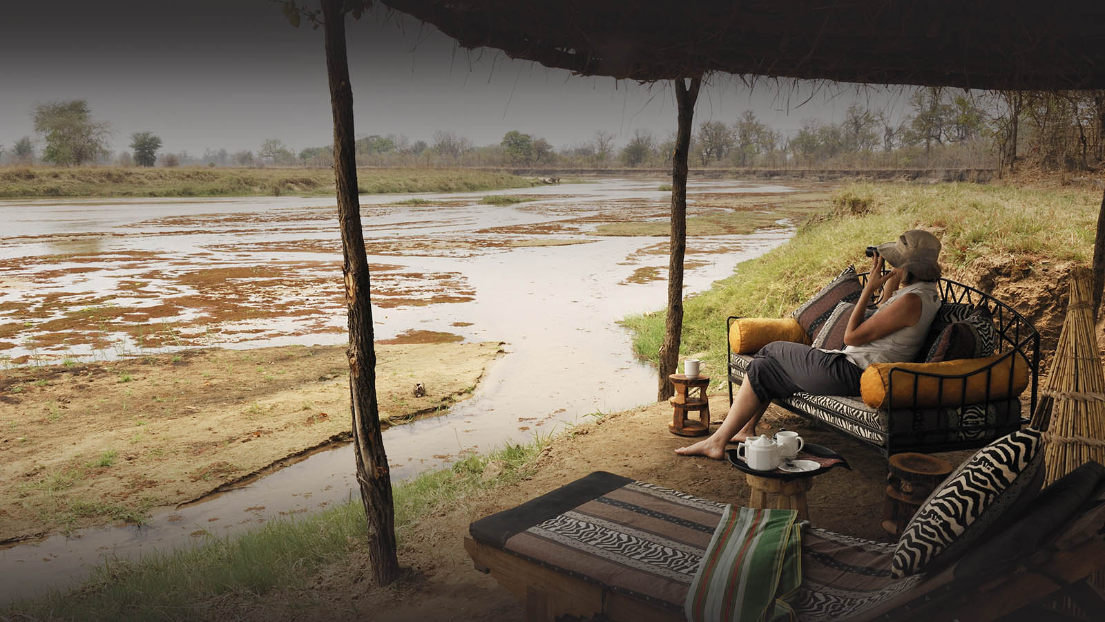 mwaleshi-camp-lodge-zambia-in-style-tours-safari-packages-lodges-explore-north-luangwa-relaxing-views