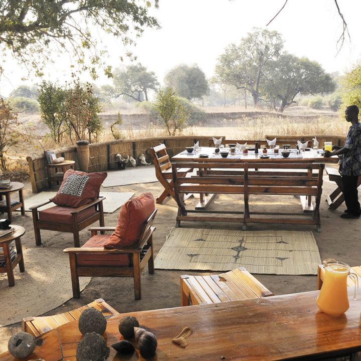 mwamba-bush-camp-lodge-zambia-in-style-safari-packages-south-luangwa-national-park-chitenje-bar