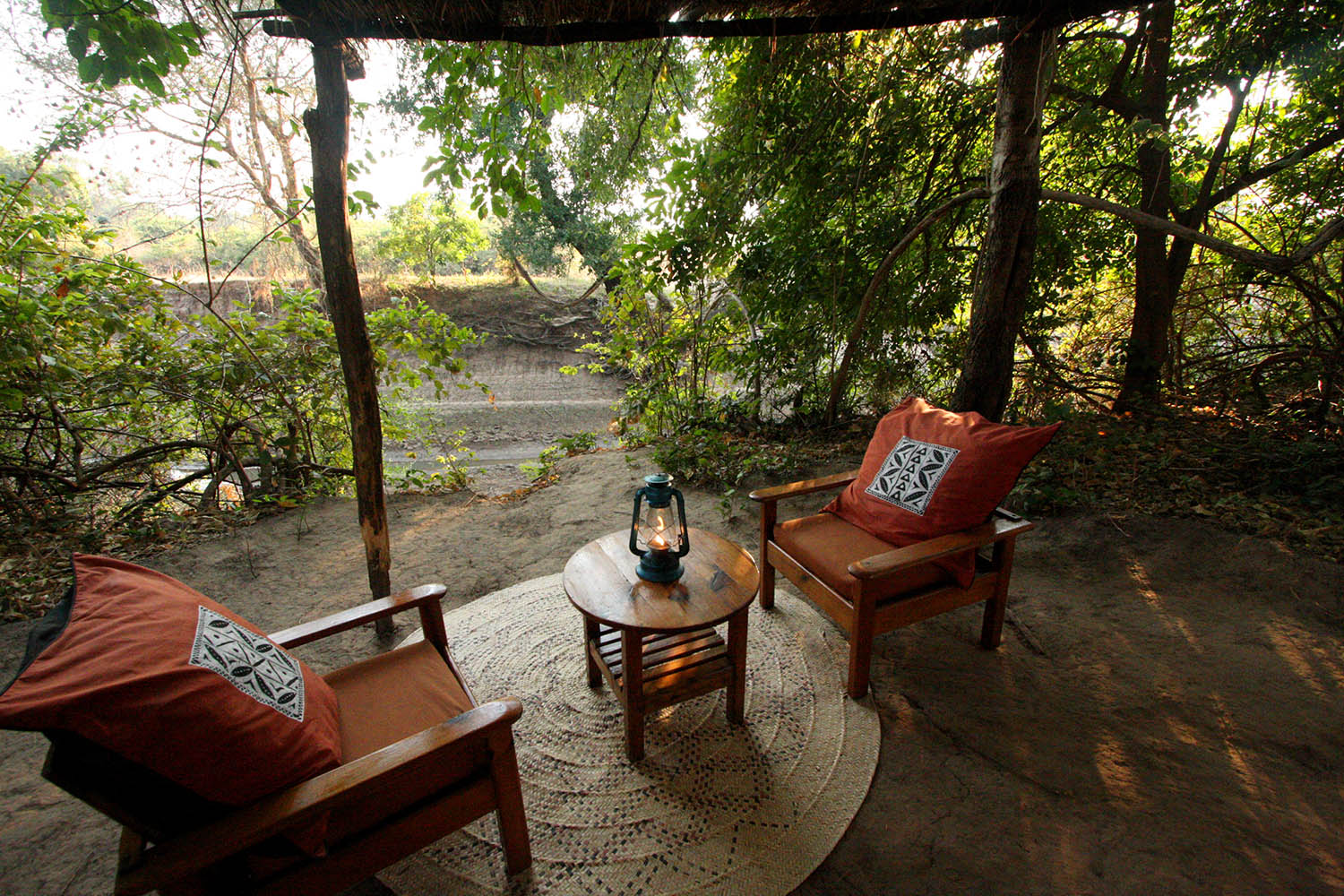 mwamba-bush-camp-lodge-zambia-in-style-safari-packages-tours-south-luangwa-national-park-chalet-outdoor