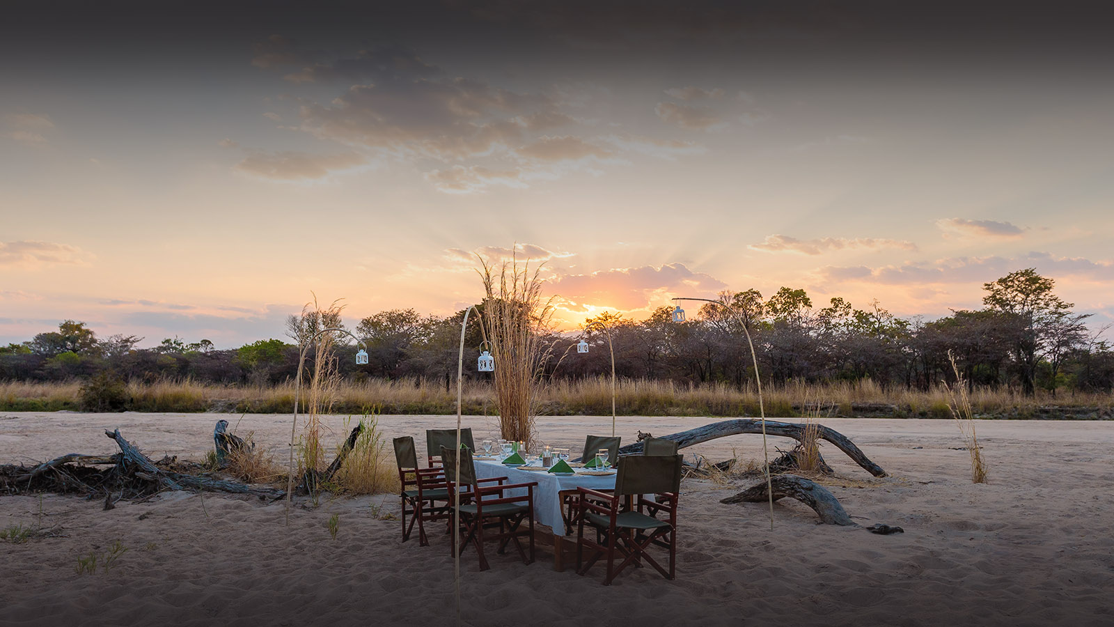 nkonzi-camp-lodge-zambia-in-style-safari-packages-lodges-explore-south-luangwa-national-park-milky-way-dinner