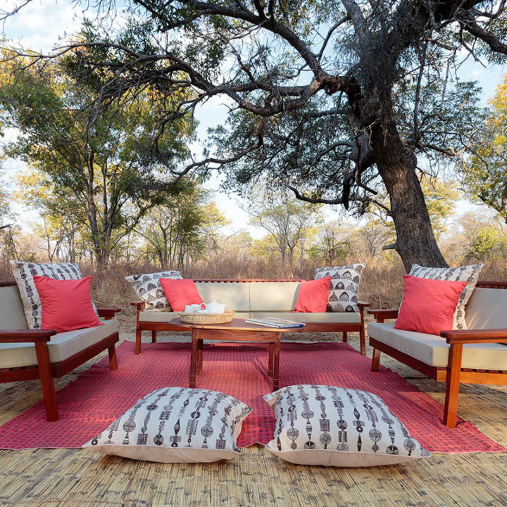 nkonzi-camp-lodge-zambia-in-style-safari-packages-lodges-exploring-south-luangwa-national-park-lounge